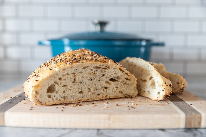 No knead everything bagel dutch oven bread