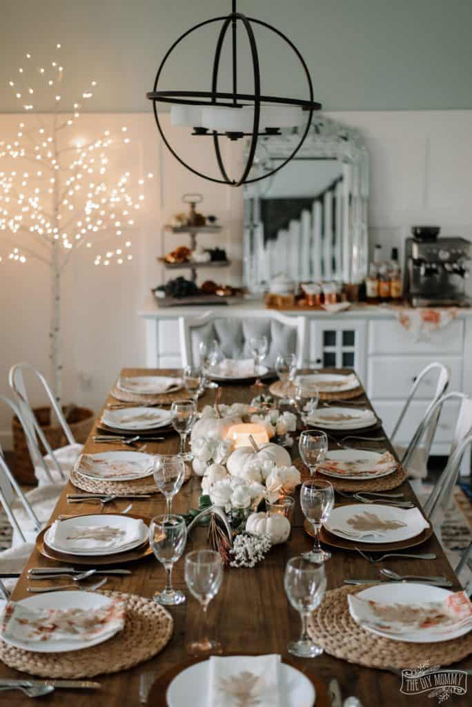 Elegant thanksgiving setting