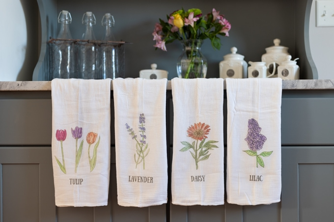 DIY Spring Flour Sack Towels with Free Flower Printable