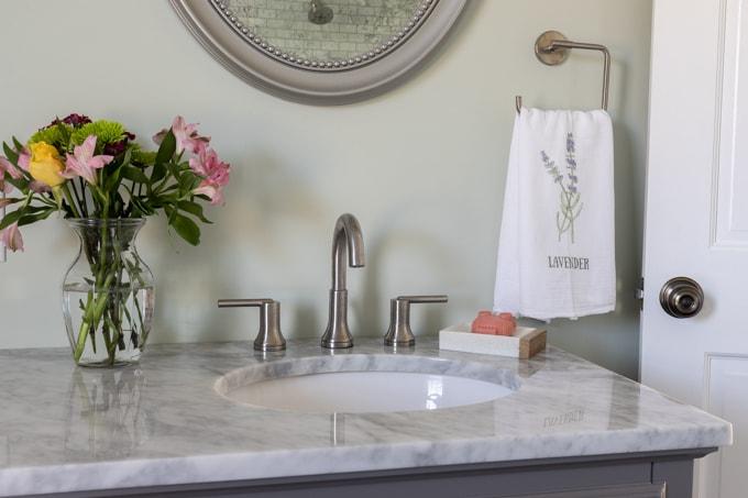 DIY Spring Flour Sack Towels with Free Flower Printable