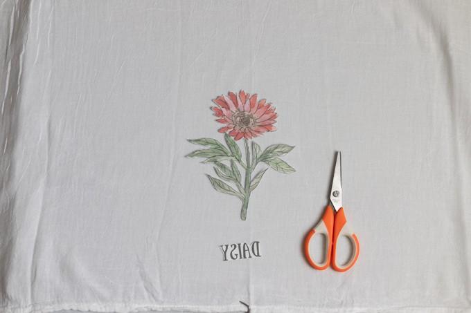 DIY Spring Flour Sack Towels with Free Flower Printable 6