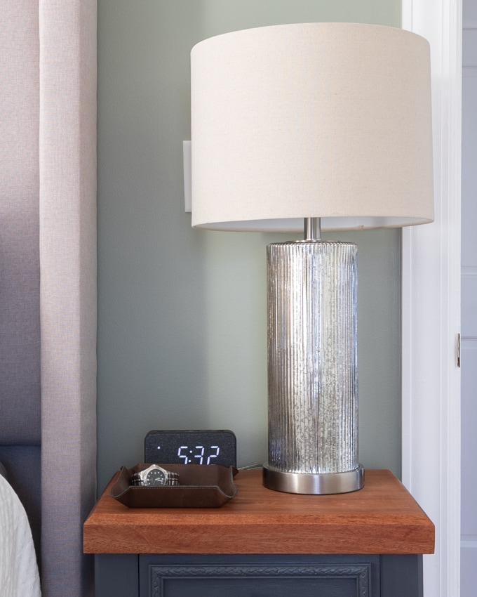 NIghtstand Decor Ideas 2